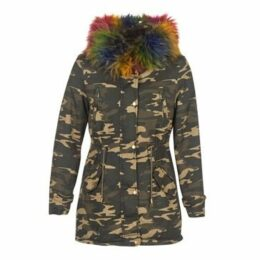Molly Bracken  PARSEL  women's Parka in Green