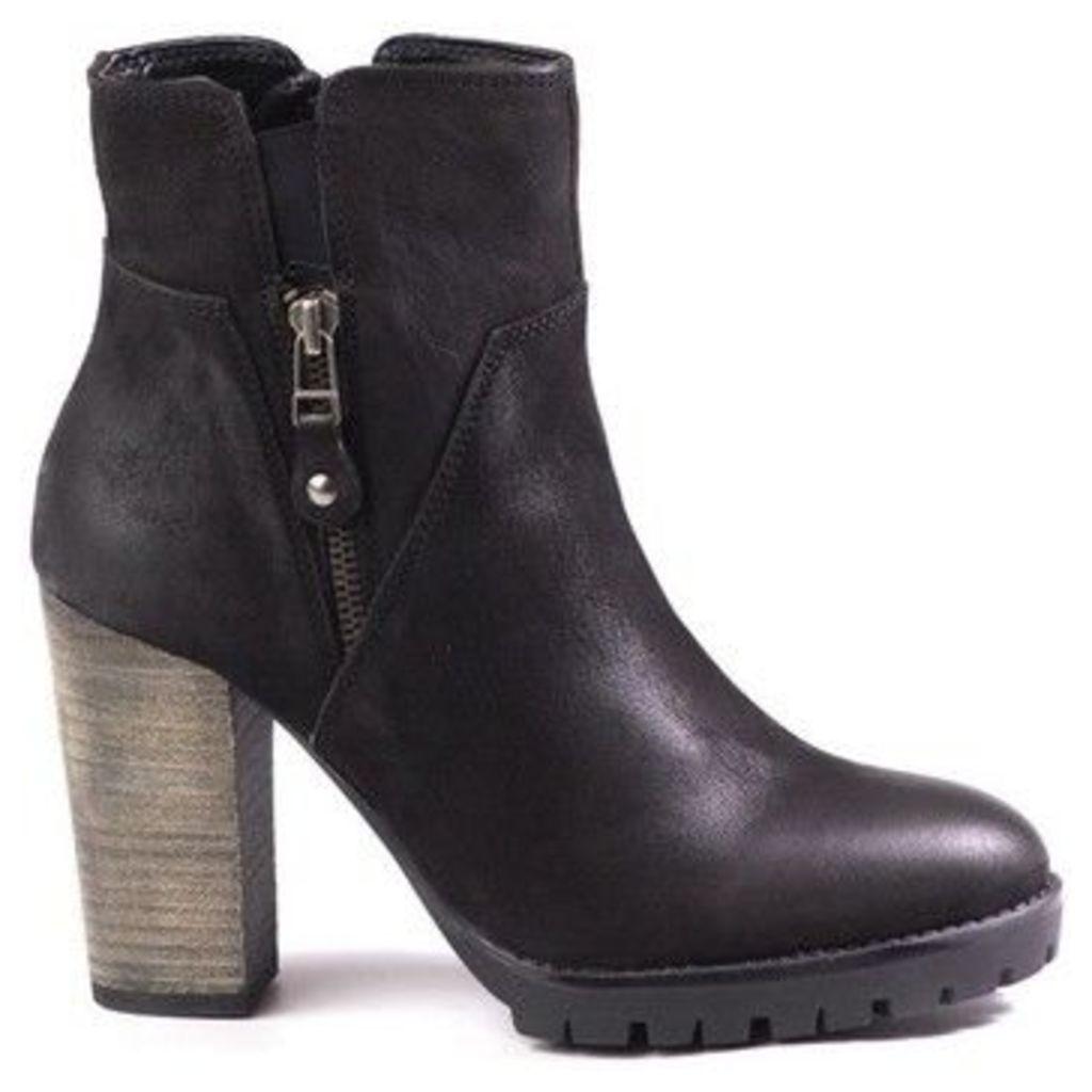 Venezia  3612118 Black  women's Low Ankle Boots in Black