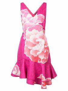 Josie Natori peony print ruffle trim dress - Pink