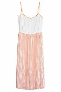 Victoria Victoria Beckham Pleated Silk Dress