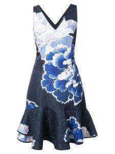 Josie Natori peony print ruffle hem dress - Blue