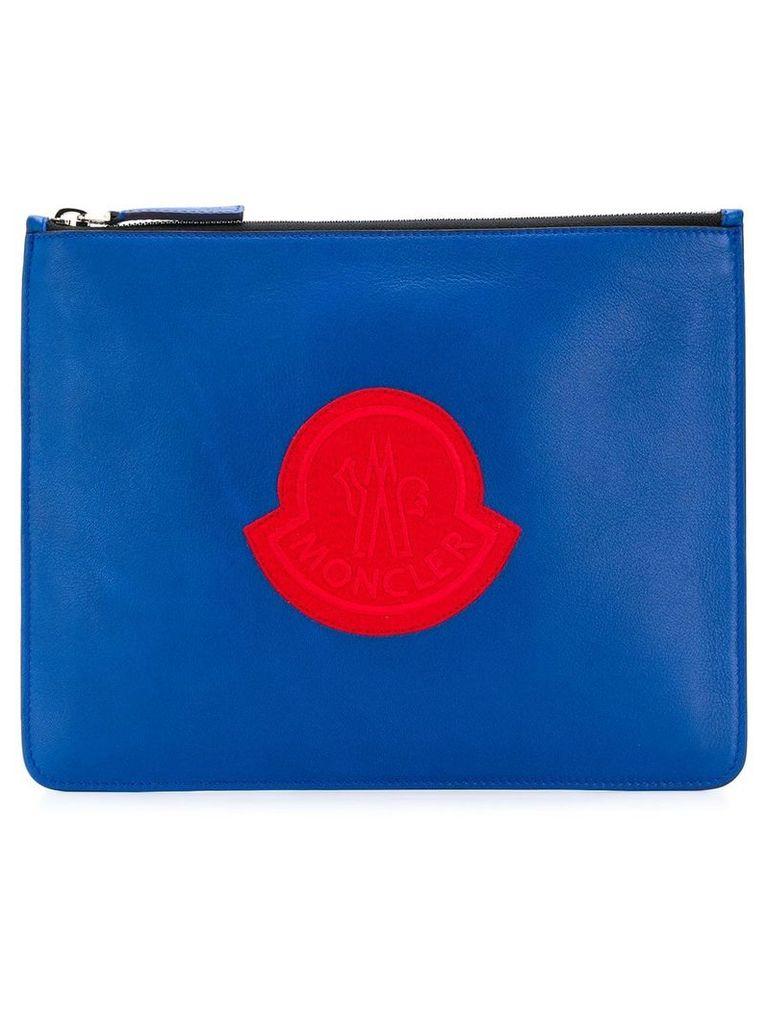 Moncler logo print clutch - Blue