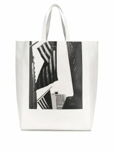 Calvin Klein 205W39nyc X Andy Warhol American flag tote bag - White