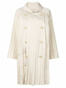 ISSEY MIYAKE PRE-OWNED pleated double breasted raincoat - Neutrals