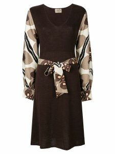 Hermès Pre-Owned printed sleeves belted dress - Brown