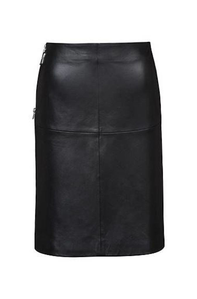 Regular-fit A-line skirt in lambskin with side zip