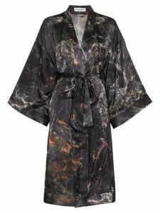 Märta Larsson Black Obsidian print short silk kimono