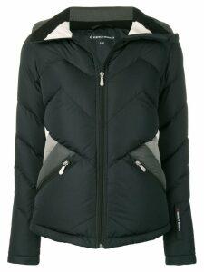 Perfect Moment Apres Duvet jacket - Black