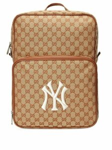 Gucci Medium backpack with NY Yankees™ patch - Brown