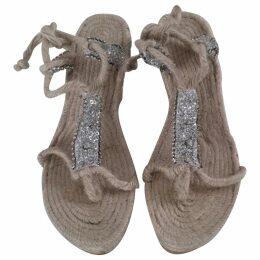 Cloth mules & clogs