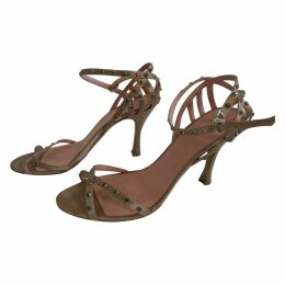 Cloth sandals