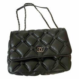 Cocoon leather handbag