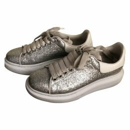 Oversize glitter trainers