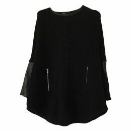 Black Wool Knitwear