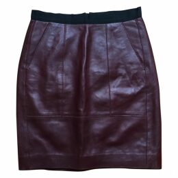 Mid-length leather skirt
