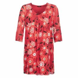 One Step  RIEDO  women's Dress in Red