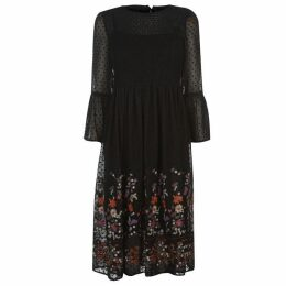 Only Vanilla Embroidery Dress