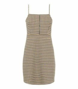 Petite Yellow Houndstooth Jacquard Pinafore Dress New Look