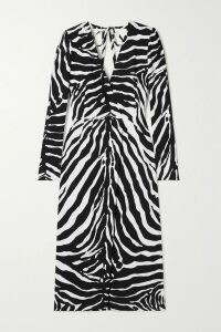 Burberry - Hooded Belted Quilted Shell Coat - Army green