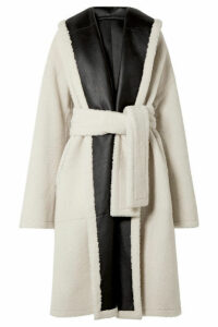 Rosetta Getty - Oversized Belted Reversible Shearling Coat - Ivory