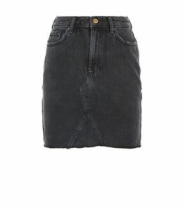 Black Frayed Hem Denim Skirt New Look