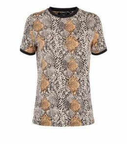 Tall Brown Snake Print Ringer T-Shirt New Look