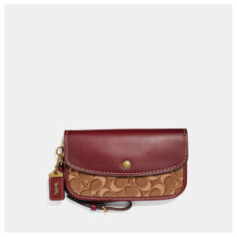 Coach Clutch In Signature Jacquard
