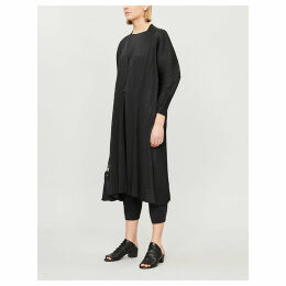 Puffed-sleeve pleated coat