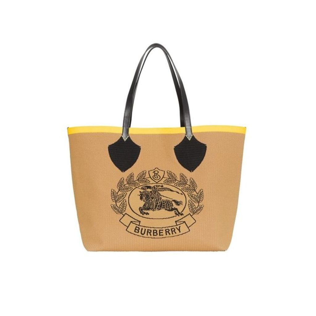 Burberry The Giant Tote In Knitted Archive Crest