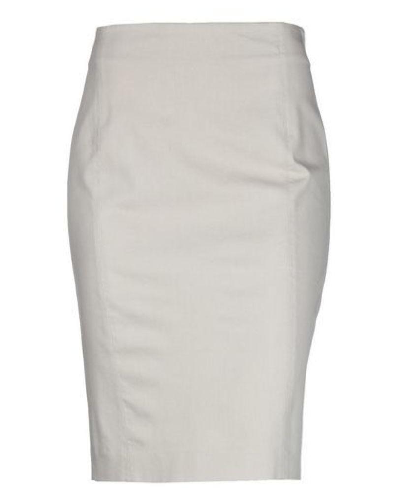 QL2  QUELLEDUE SKIRTS Knee length skirts Women on YOOX.COM