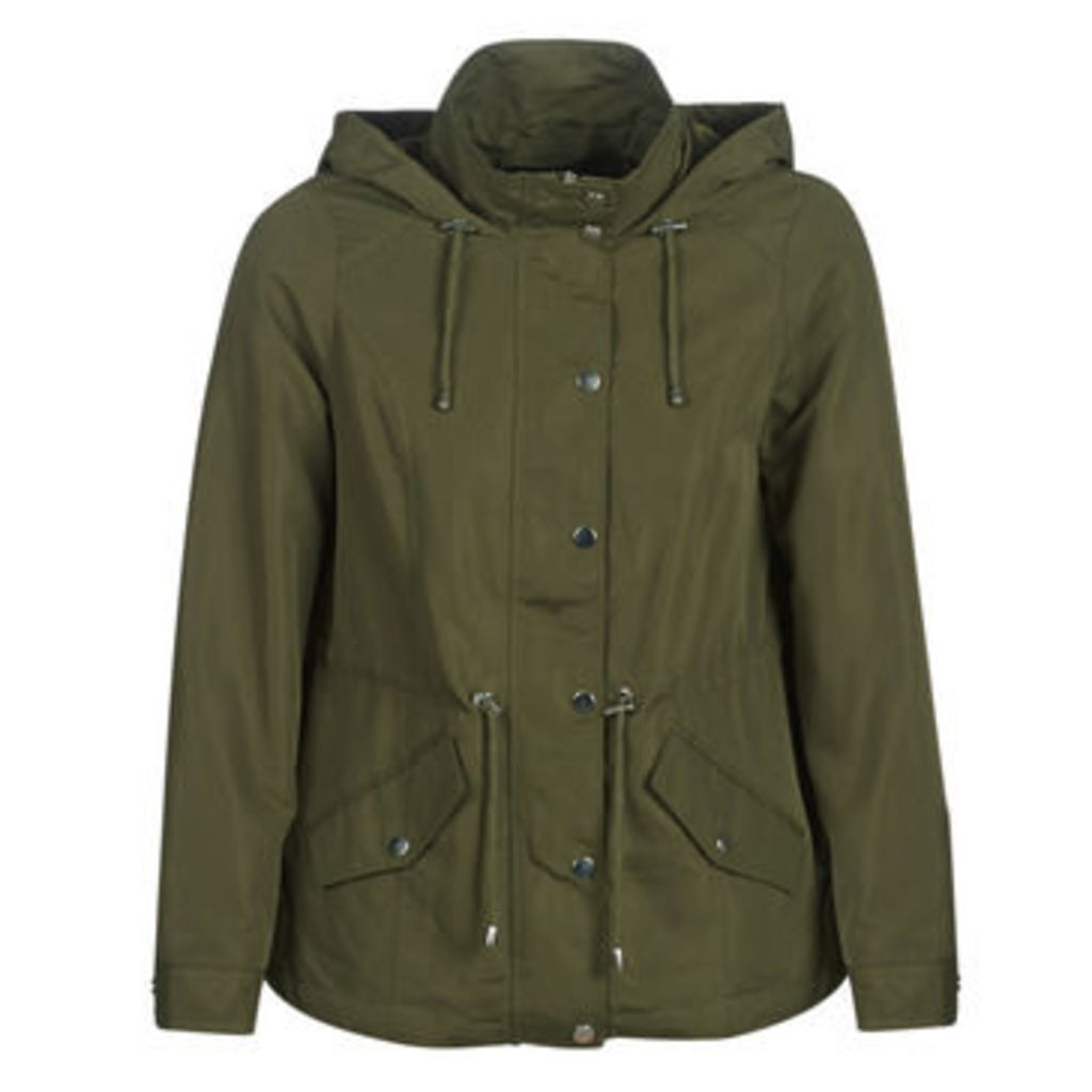 Vero Moda  VMPERNILLE  women's Parka in Green
