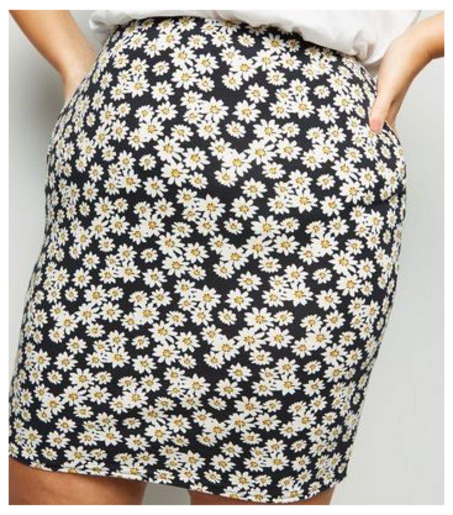 Curves Black Daisy Print Tube Skirt New Look