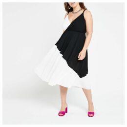 Womens Plus White colour block wrap cami dress