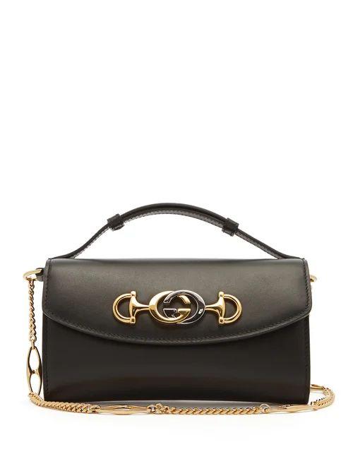 Gucci - Zumi Logo Plaque Leather Cross Body Bag - Womens - Black