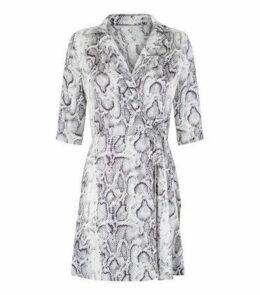 Blue Vanilla Green Satin Snake Print Wrap Dress New Look