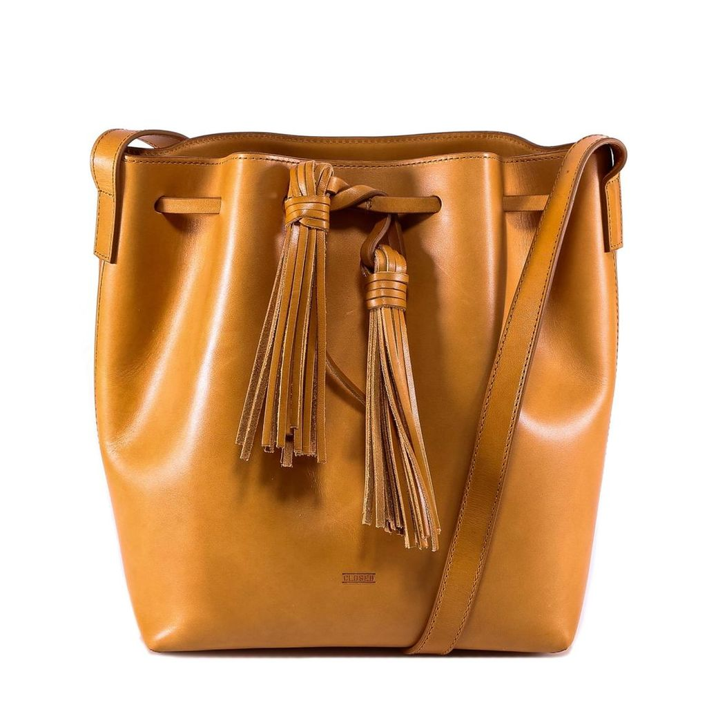 Closed Bbucket Bag With Tassels