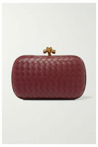Bottega Veneta - Chain Knot Intrecciato Leather Clutch - Burgundy