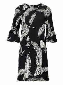 Womens *Izabel London Black Leaf Print Shift Dress, Black