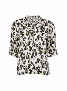 Womens Petite Multi Colour Leopard Print Shirt- Pink, Pink