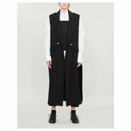 Sleeveless double-breasted wool coat