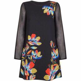 Yumi Curves Geometric Flower Tunic Dress
