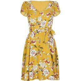 Yumi Curves Flower Cap Sleeve Dress