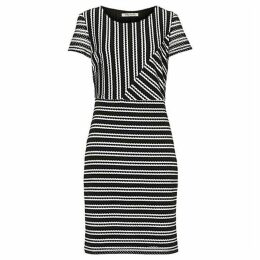 Betty Barclay Graphic striped dress