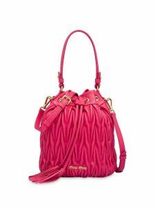Miu Miu matelassé drawstring bucket bag - Pink