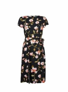 Womens Petite Black Floral Print Fit And Flare Dress, Black