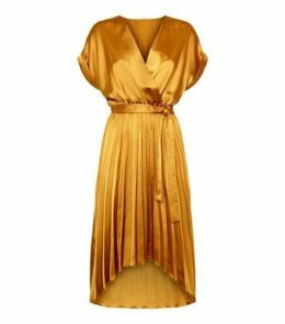 Mustard Satin Pleated Midi Dress New Look