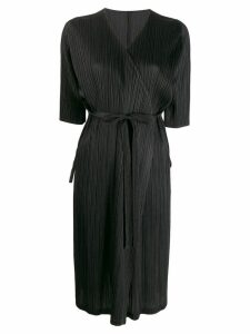 Pleats Please Issey Miyake pleated satin wrap coat - Black