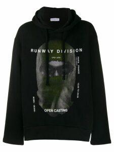 Ih Nom Uh Nit printed 'runway division' sweatshirt - Black