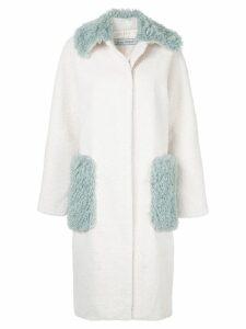 Tu es mon TRÉSOR Phoenix faux fur coat - White