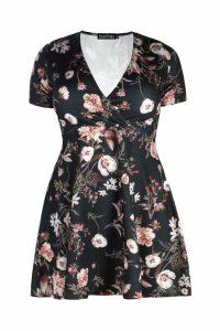 Womens Plus Floral Wrap Mini Dress - black - 28, Black